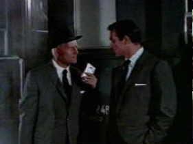 Бонд и Грант обмениваются секретным паролем
